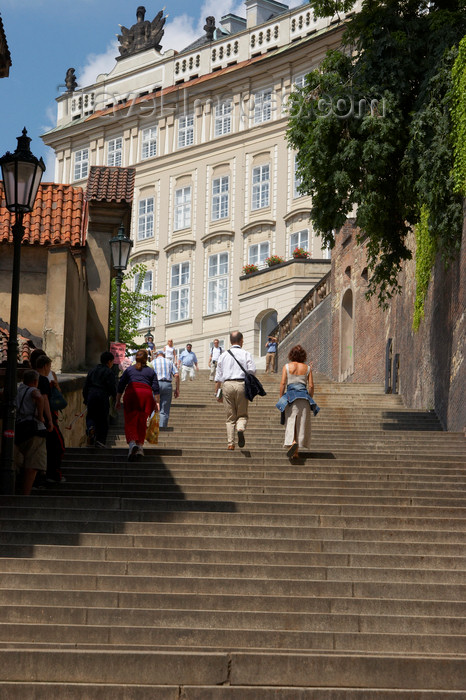 czech433: Tourists walking upstairs to reach the Prague Castle. Czech Republic - photo by H.Olarte - (c) Travel-Images.com - Stock Photography agency - Image Bank