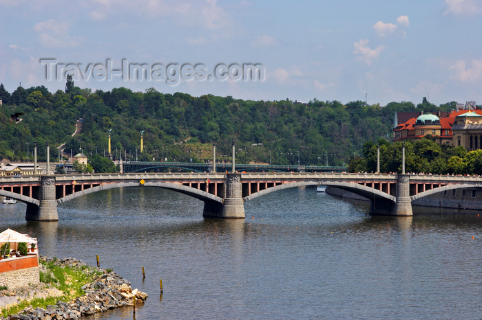 czech437: view of the Vltava River - bridge. Prague, Czech Republic, Europe - photo by H.Olarte - (c) Travel-Images.com - Stock Photography agency - Image Bank