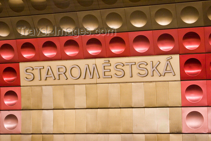 czech450: Staromestska Station. Prague Subway system. Czech Republic - photo by H.Olarte - (c) Travel-Images.com - Stock Photography agency - Image Bank