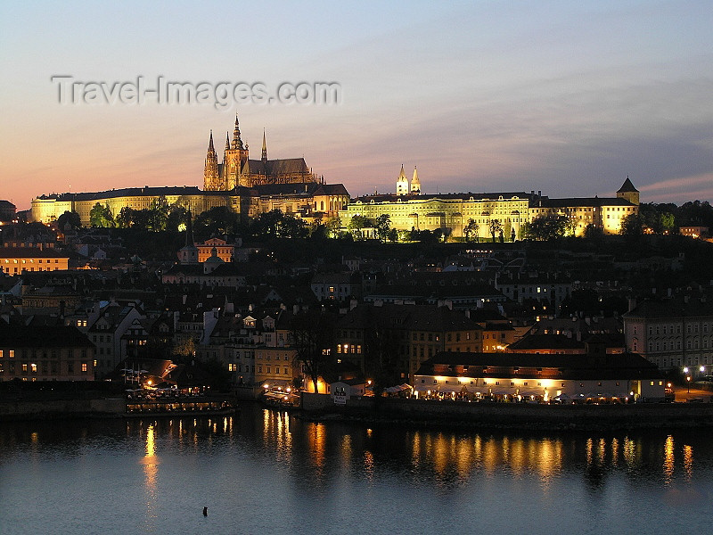 czech458: Prague, Czech Republic: Prague Castle and the Vltava at night - photo by J.Kaman - (c) Travel-Images.com - Stock Photography agency - Image Bank