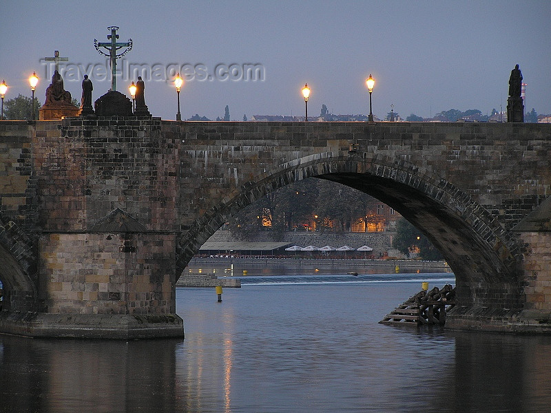 czech469: Prague, Czech Republic: Charles bridge at dawn  - arch - photo by J.Kaman - (c) Travel-Images.com - Stock Photography agency - Image Bank