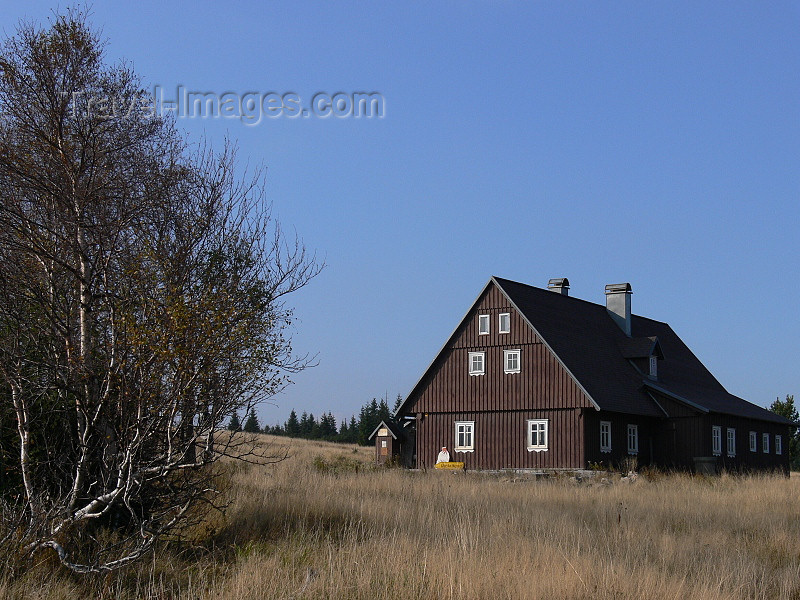 czech481: Czech Republic - Jizerka: Dung House - Jizera Mountains - Liberec Region - photo by J.Kaman - (c) Travel-Images.com - Stock Photography agency - Image Bank