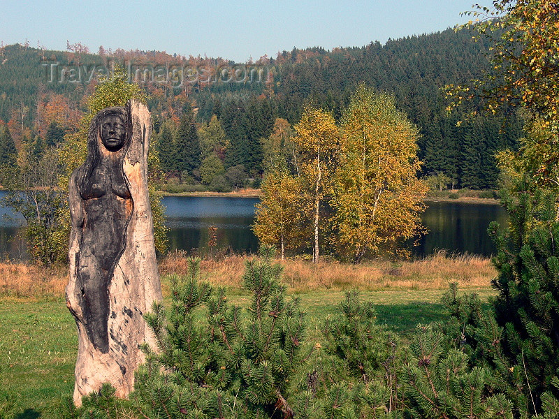 czech491: Czech Republic - Jizera Mountains / Jizerske hory: sculpture, pond and Autumn foliage - Liberec Region - photo by J.Kaman - (c) Travel-Images.com - Stock Photography agency - Image Bank