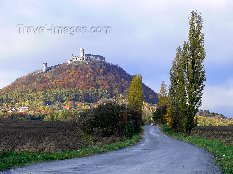 czech515: Czech Republic - Okna - Ceska Lipa District: road and Bezdez castle - Liberec Region - photo by J.Kaman - (c) Travel-Images.com - Stock Photography agency - Image Bank