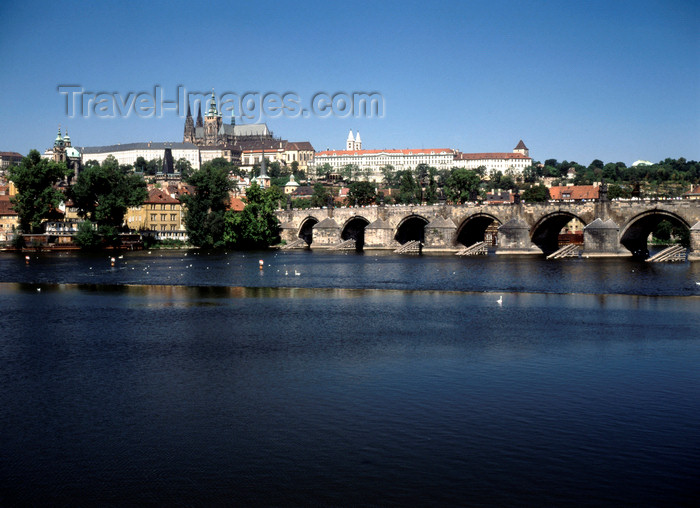 czech534: Czech Republic - Prague: view of Hradcany with Charles Bridge and River Vltava - photo by J.Fekete - (c) Travel-Images.com - Stock Photography agency - Image Bank