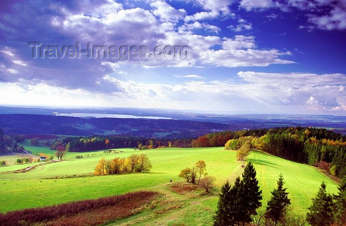 czech81: Czech Republic - Nachod region (Eastern Bohemia - Východoceský - Hradec Kralove kraj): landscape - photo by J.Kaman - (c) Travel-Images.com - Stock Photography agency - Image Bank