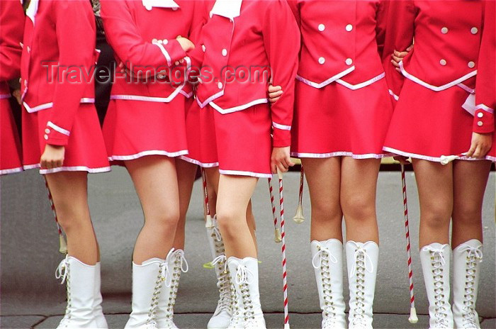 czech91: Czech Republic - Cheerleaders' legs - photo by J.Kaman - (c) Travel-Images.com - Stock Photography agency - Image Bank