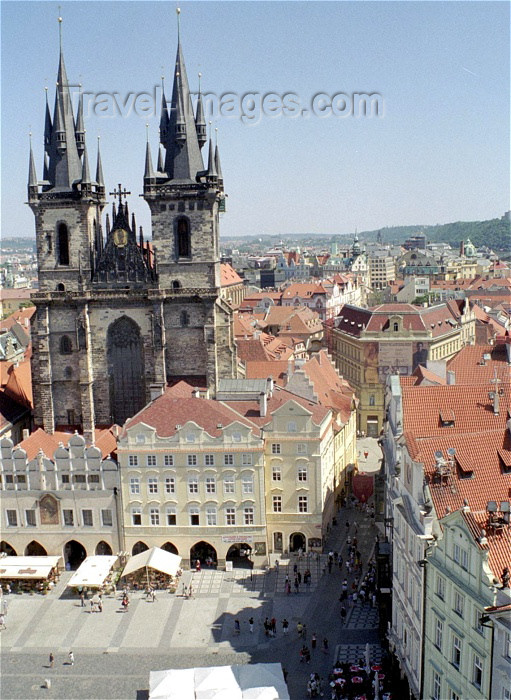 czech97: Czech Republic - Prague: view from the Old Town Hall - Old Town square and and the Church of Our Lady Before Tyn - chram Matky bozi pred Tynem - Staromestske namesti (photo by M.Bergsma) - (c) Travel-Images.com - Stock Photography agency - Image Bank