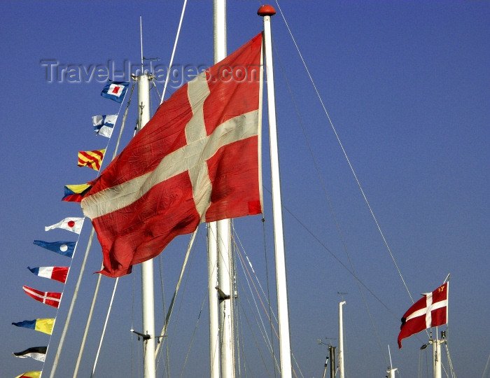 denmark10: Copenhagen: Danish flags  - Nyhavn / New Harbor - photo by G.Friedman - (c) Travel-Images.com - Stock Photography agency - Image Bank