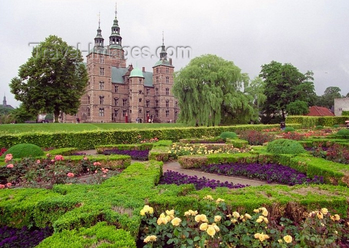 denmark17: Denmark - Copenhagen / København / CPH: gardens of Rosenborg castle - photo by J.Kaman - (c) Travel-Images.com - Stock Photography agency - Image Bank