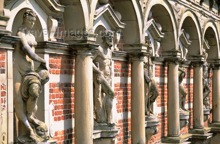 denmark30: Hillerød, North Zealand, Denmark: Fredeiksborg castle - façade with statues - former royal residence for King Christian IV - photo by K.Gapys - (c) Travel-Images.com - Stock Photography agency - Image Bank