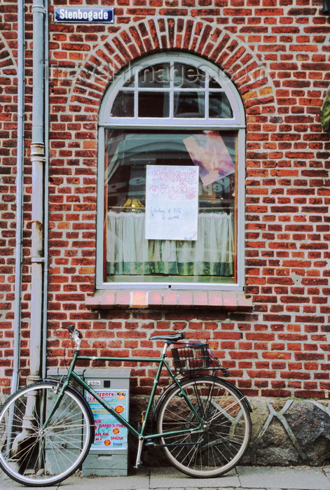 denmark38: Ribe, southwest Jutland, Denmark: Stenbogade - bicycle parked by a brick wall - photo by K.Gapys - (c) Travel-Images.com - Stock Photography agency - Image Bank