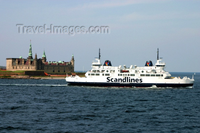 denmark39: Denmark - Helsingør: Kronborg Castle and a ferry on the Ore Sund - photo by C.Blam - (c) Travel-Images.com - Stock Photography agency - Image Bank