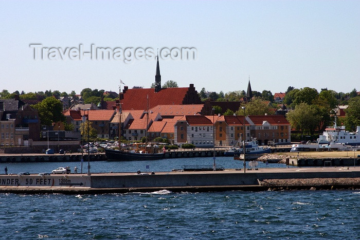 denmark42: Helsingør, Denmark: Kronborg Castle - Elsinore in Hamlet - photo by C.Blam - (c) Travel-Images.com - Stock Photography agency - Image Bank