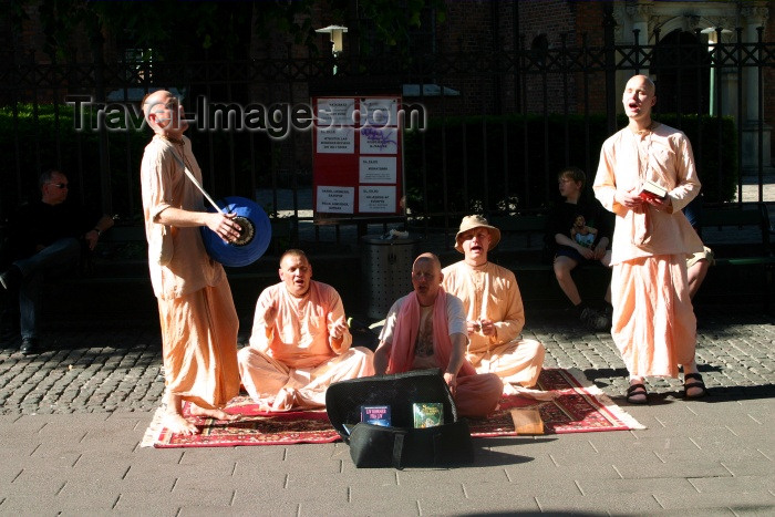 denmark44: Denmark - Copenhagen: Hare Krishna gang sings their mantra - photo by C.Blam - (c) Travel-Images.com - Stock Photography agency - Image Bank