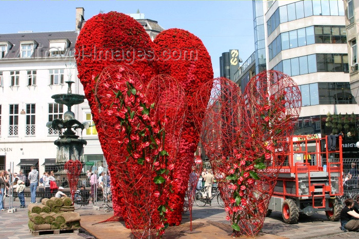denmark48: Denmark - Copenhagen: love is in the air - giant heart - photo by C.Blam - (c) Travel-Images.com - Stock Photography agency - Image Bank