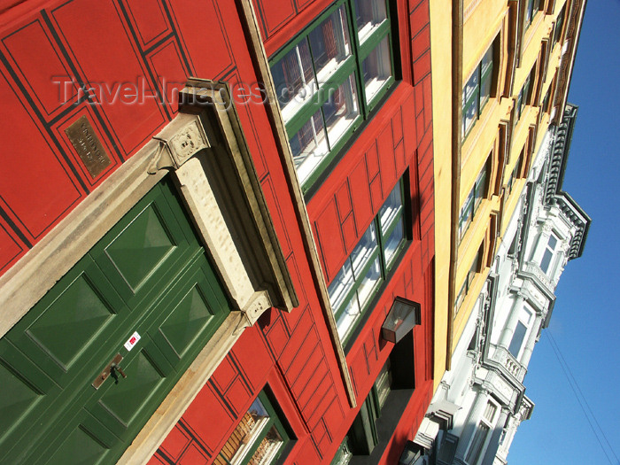 denmark58: Denmark - Copenhagen / København / CPH: façade - Nyhavn   - photo by G.Friedman - (c) Travel-Images.com - Stock Photography agency - Image Bank