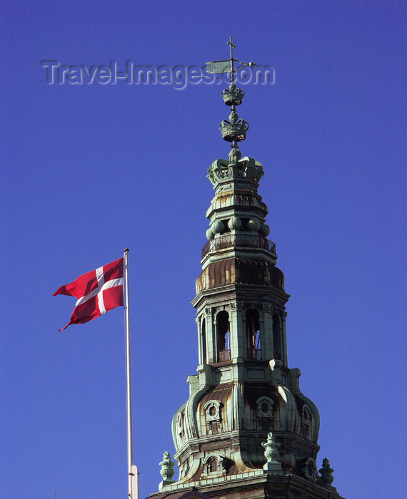 denmark66: Denmark - Copenhagen / København / CPH: Parliament Tower and Danish flag - photo by G.Friedman - (c) Travel-Images.com - Stock Photography agency - Image Bank