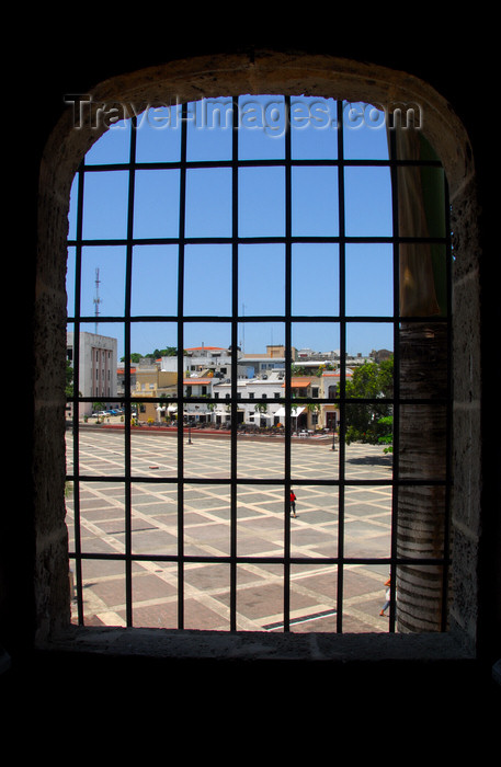 dominican17: Santo Domingo, Dominican Republic: Alcazar de Colon - Plaza de España seen from Diego Colon's bedroom - Ciudad Colonial - Unesco World Heritage - photo by M.Torres - (c) Travel-Images.com - Stock Photography agency - Image Bank