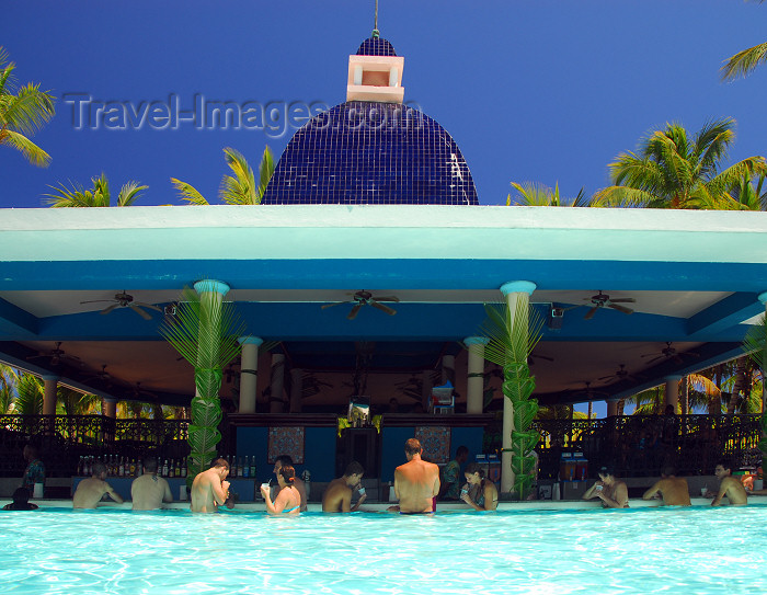 dominican184: Punta Cana, Dominican Republic: pool bar -Arena Gorda Beach - photo by M.Torres - (c) Travel-Images.com - Stock Photography agency - Image Bank
