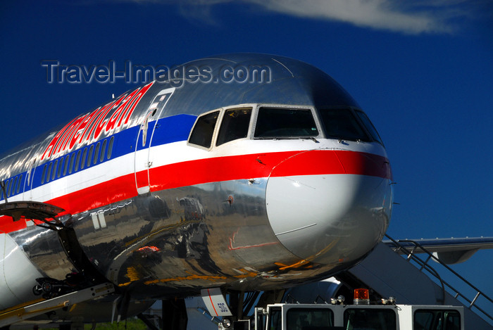 dominican195: Punta Cana, Dominican Republic: American Airlines Boeing 757-223 N689AA - Punta Cana International Airport - PUJ / MDPC - photo by M.Torres - (c) Travel-Images.com - Stock Photography agency - Image Bank