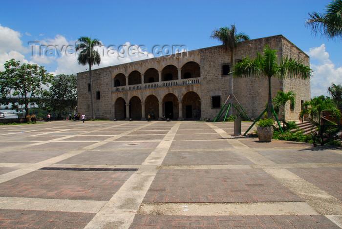 dominican23: Santo Domingo, Dominican Republic: Alcazar de Colon and plaza de Espana - Ciudad Colonial - Unesco World Heritage - photo by M.Torres - (c) Travel-Images.com - Stock Photography agency - Image Bank