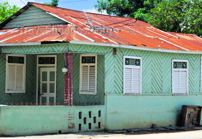 dominican245: Dajabón, Dominican Republic: Creole architecture - timber and corrugated galvanised iron - photo by M.Torres - (c) Travel-Images.com - Stock Photography agency - Image Bank