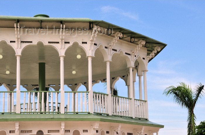 dominican283: Puerto Plata, Dominican republic: Victorian bandstand in the central park - Glorieta victoriana del Parque Central Independencia -  photo by M.Torres - (c) Travel-Images.com - Stock Photography agency - Image Bank