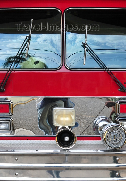 dominican298: Puerto Plata, Dominican republic: fire engine detail - fire station - Cuerpo de Bomberos Municipales - photo by M.Torres - (c) Travel-Images.com - Stock Photography agency - Image Bank
