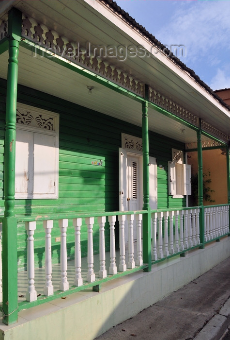 dominican304: Puerto Plata, Dominican republic: green façade of a Creole house - photo by M.Torres - (c) Travel-Images.com - Stock Photography agency - Image Bank
