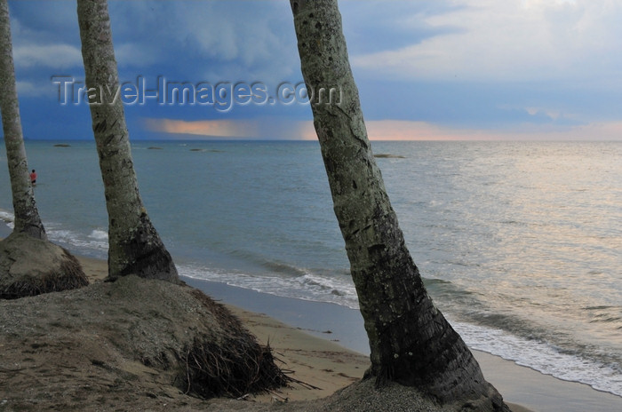 dominican339: Río San Juan, María Trinidad Sánchez province, Dominican republic: hurricane on the horizon - photo by M.Torres - (c) Travel-Images.com - Stock Photography agency - Image Bank