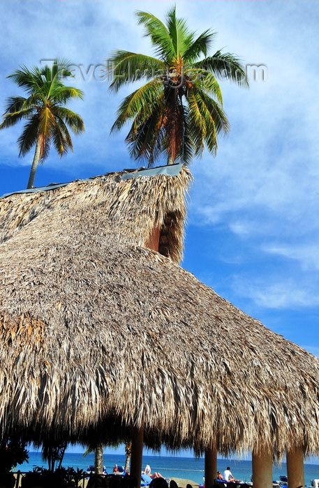 dominican346: Río San Juan, María Trinidad Sánchez province, Dominican republic: Polynesian architecture at an all-inclusive resort - photo by M.Torres - (c) Travel-Images.com - Stock Photography agency - Image Bank