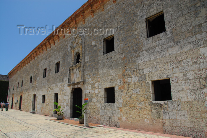 dominican65: Santo Domingo, Dominican Republic: Museum of the Royal Houses - Museo de las Casas Reales - Ciudad Colonial - photo by M.Torres - (c) Travel-Images.com - Stock Photography agency - Image Bank