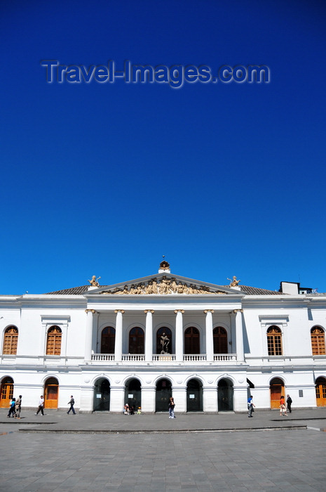 ecuador10: Quito, Ecuador: Plaza del Teatro / Plaza Chica - Teatro Sucre - main theater of the capital, built between 1879 and 1887 - photo by M.Torres - (c) Travel-Images.com - Stock Photography agency - Image Bank