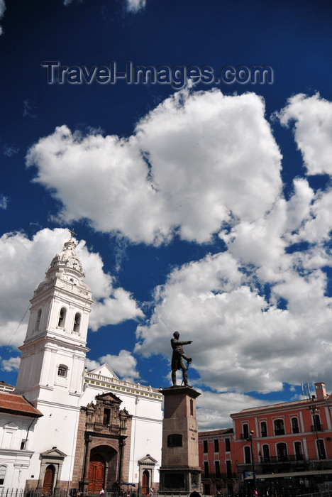 ecuador119: Quito, Ecuador: statue of Mariscal Sucre and Iglesia de Santo Domingo - Dominican Church - Plaza Santo Domingo, regular venue for concerts and festivals - photo by M.Torres - (c) Travel-Images.com - Stock Photography agency - Image Bank