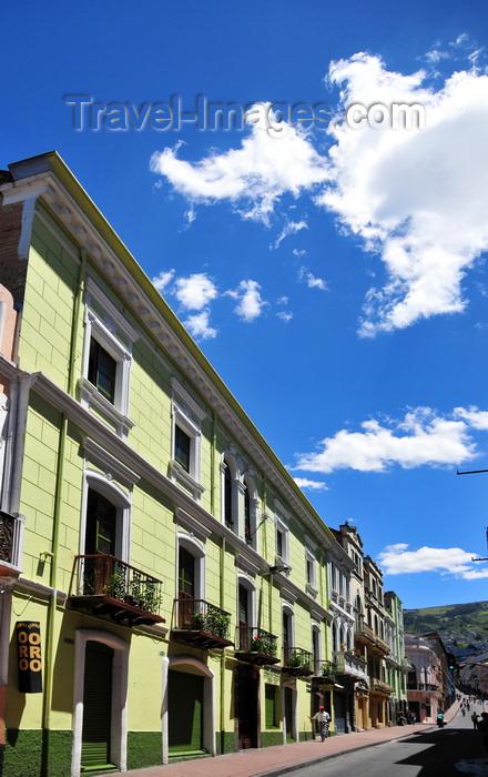 ecuador136: Quito, Ecuador: gold shop - climbing calle Olmedo - photo by M.Torres - (c) Travel-Images.com - Stock Photography agency - Image Bank