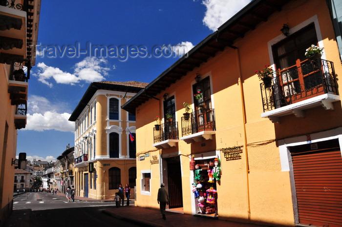 ecuador151: Quito, Ecuador: commerce on Calle Benalcázar - Hotel Benalcázar - looking towards Plaza San Francisco - photo by M.Torres - (c) Travel-Images.com - Stock Photography agency - Image Bank