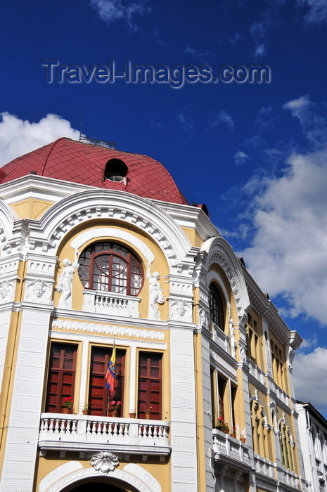 ecuador161: Quito, Ecuador: Banco Hipotecario - elegant façade - corner of calles Gabriel Garcia Moreno and Simon Bolivar - photo by M.Torres - (c) Travel-Images.com - Stock Photography agency - Image Bank