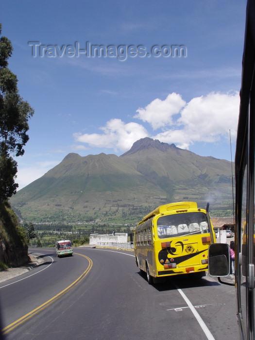 ecuador23: Ecuador - vulcan Cayambe / volcano, Pichincha province - Eastern Cordillera of the Ecuadorean Andes (0.03S 78.0W) - Holocene compound volcano (photo by A.Caudron) - (c) Travel-Images.com - Stock Photography agency - Image Bank