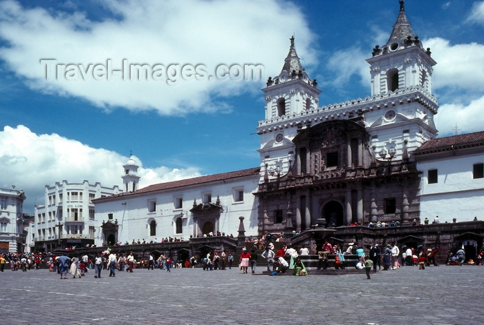 ecuador33: Ecuador - Quito: Plaza and church de San Francisco - photo by J.Fekete - (c) Travel-Images.com - Stock Photography agency - Image Bank