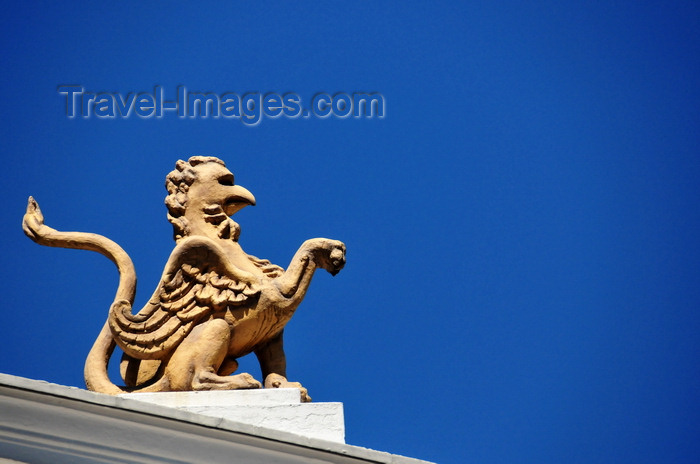ecuador35: Quito, Ecuador: Plaza del Teatro / Plaza Chica - Teatro Sucre - griffin above the pediment - photo by M.Torres - (c) Travel-Images.com - Stock Photography agency - Image Bank