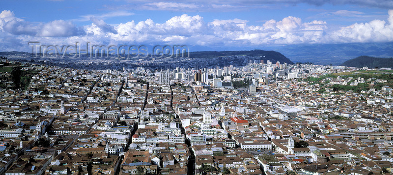ecuador4: Ecuador - Quito: panorama - the old and new cities - photo by W.Allgöwer - (c) Travel-Images.com - Stock Photography agency - Image Bank