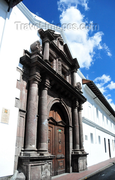 ecuador49: Quito, Ecuador: Colégio Sagrados Corazones - College of the Sacred Hearts - Calles Sucre and Guayquil - former University of Saint Thomas - photo by M.Torres - (c) Travel-Images.com - Stock Photography agency - Image Bank