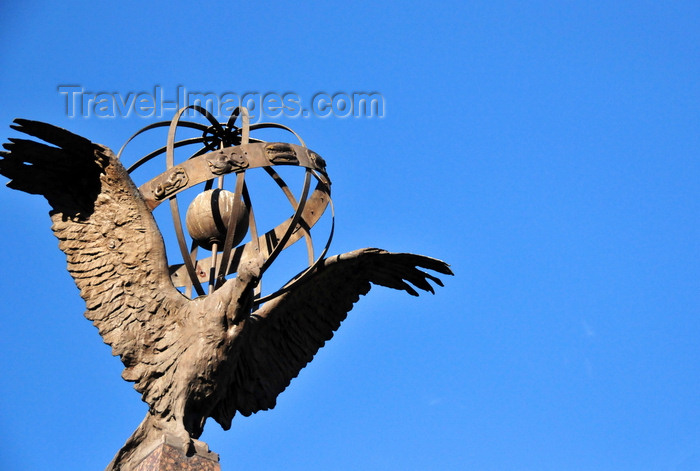 ecuador52: Quito, Ecuador: French Geodesic Mission monument - condor and armillary sphere - Parque la Alameda - Misión geodésica francesa - photo by M.Torres - (c) Travel-Images.com - Stock Photography agency - Image Bank
