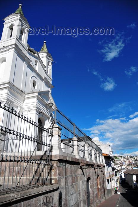 ecuador73: Quito, Ecuador: Iglesia Santa Bárbara - view along Calle García Moreno - photo by M.Torres - (c) Travel-Images.com - Stock Photography agency - Image Bank