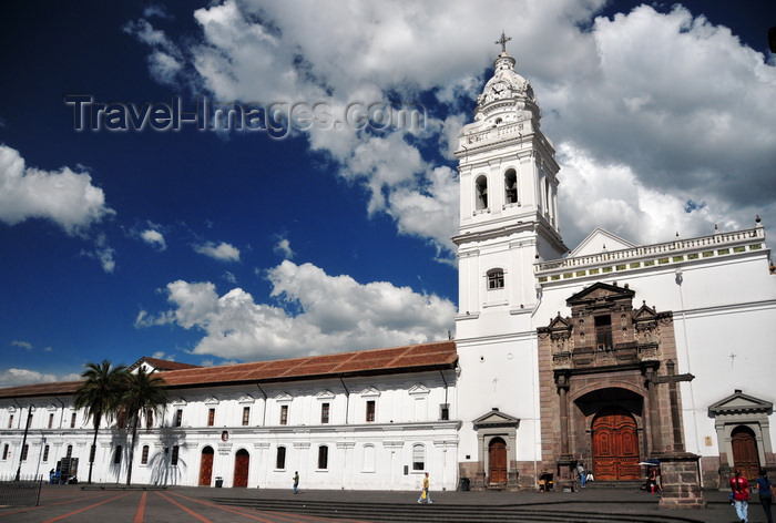 ecuador87: Quito, Ecuador: Iglesia de Santo Domingo and Fray Pedro Bedón Dominican Art Museum - Dominican Convent complex - Plaza Santo Domingo - UNESCO world heritage - photo by M.Torres - (c) Travel-Images.com - Stock Photography agency - Image Bank