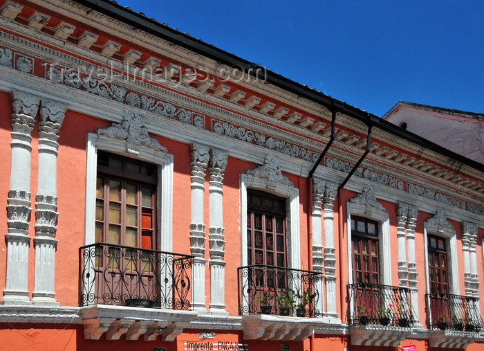 ecuador94: Quito, Ecuador: Plaza de la Merced - beautiful façade with wrought iron balconies - Calle Cuenca - photo by M.Torres - (c) Travel-Images.com - Stock Photography agency - Image Bank