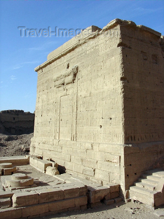 egypt190: Dendera / Denderah / Lunet / Tantere - near Quina, Minya Governorate: Iseurn, a small temple dedicated to the goddess Isis - photo by G.Frysinger - (c) Travel-Images.com - Stock Photography agency - Image Bank