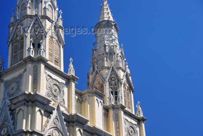 el-salvador18: San Salvador, El Salvador, Central America: spires of the Basílica del Sagrado Corazón de Jesús - photo by M.Torres - (c) Travel-Images.com - Stock Photography agency - Image Bank