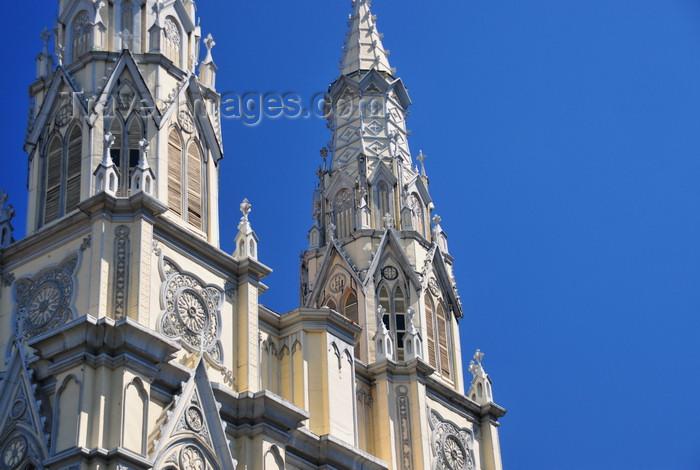 el-salvador18: San Salvador, El Salvador, Central America: spires of the Basílica del Sagrado Corazón de Jesús - photo by M.Torres - (c) Travel-Images.com - Stock Photography agency - Image Bank